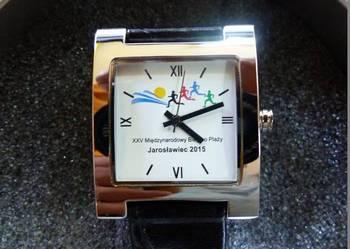 Unikatowy zegarek z logiem biegu na tarczy