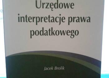 Urzędowe interpretacje prawa podatkowego.