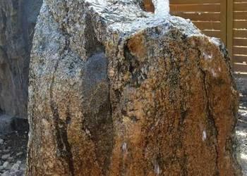 Fontanna ogrodowa kamien naturalny głaz
