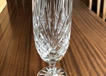 12 krysztalowych kieliszkow do szampana