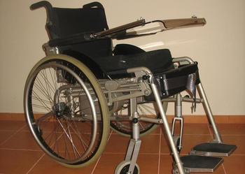 Wózek pionizujący LEVO