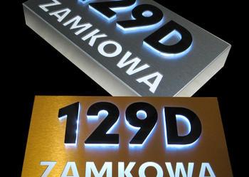 Podświetlany kaseton LED numer domu oznaczenie budynku