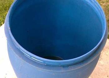 beczki beczka 120l plastikowa z deklem korkami czyste