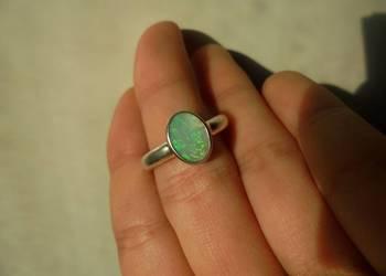 pierścionek - naturalny opal australijski (zielony)