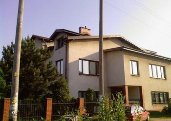 Pilnie sprzedam dwa domy na działce narożnej w Zabkach do poważnej negocjacji cenowej.Pilnie.! .