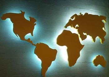 Sprzedam dużą podświetlaną piękną mapę świata