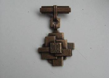 Stary medal Zasłużony dla Budownictwa