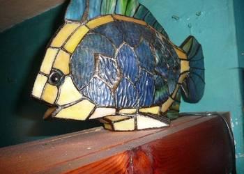 Stara lampa witrażowa ryba
