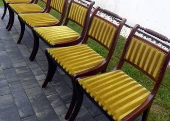 Piękne stylowe krzesła