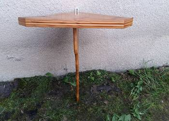 Drewniana kątowa półka, narożna konsolka  062