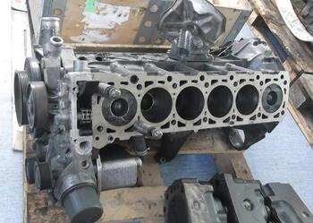 mercedes 320cdi silnik słupek silnika idealny stan om613