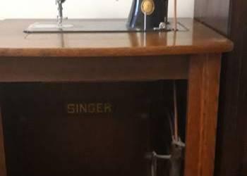Zabytkowa maszyna do szycia z szafką Singer 1952r
