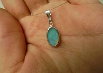 naturalny niebieski opal australijski - zawieszka/wisior
