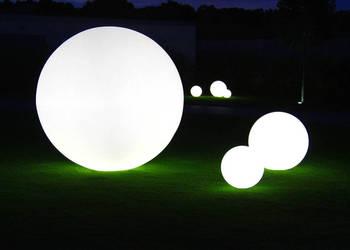 Duży zestaw kul ogrodowych świecących na biało Wysoka jakość