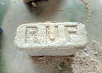 Brykiet RUF z trocin sosnowych do ogrzewania