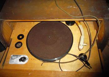 Bardzo stary gramofon polski