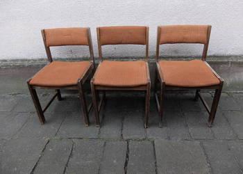 Krzesła tapicerowane z epoki PRL model Nysa z Opola 350