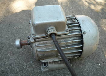 Sprzedam silnik 3 fazowy 0,8 KW / 2800 obr.