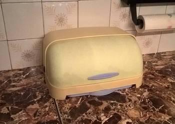 Chlebak z wysuwaną deską do krojenia