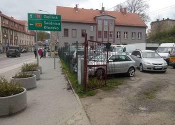 auto komis plac do sprzedania lub zamiany