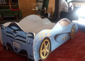 Lóżko samochód