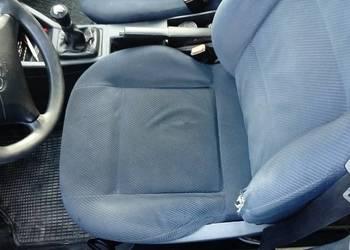 Audi 80 fotele przednie kanapa komplet niebieskie tapicerka
