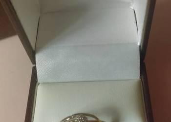 Zloty pierscionek zareczynowy 585 diamenty