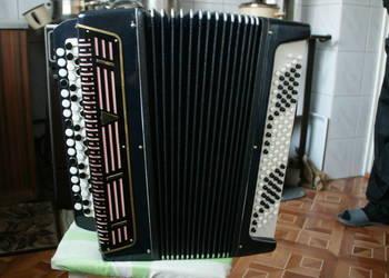 Akordeon guzikowy Bajan 100 basów