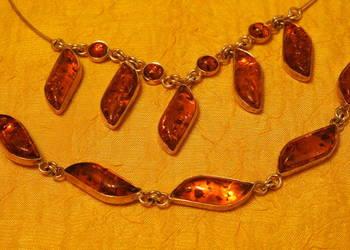 Komplet biżuterii ze srebra z bursztynem