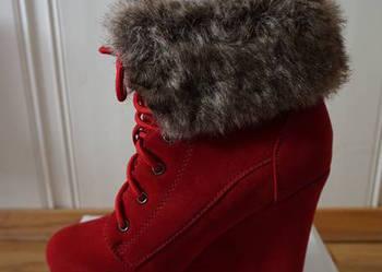 1476913e19f18 Czerwone koturny botki sznurowane na koturnie 36