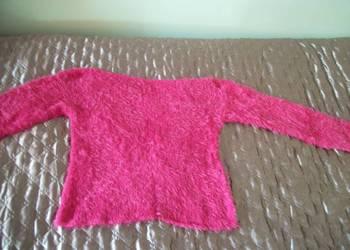 sweterek z ozdobnej włóczki
