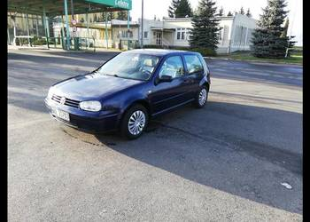 VW Golf 1,6 benzyna Special Edition  Super Stan