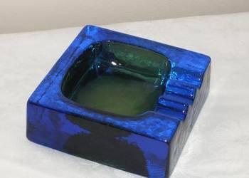 Popielniczka z barwionego szkła w stylu Art Deco