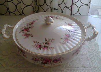 Porcelanowa waza Royal Albert Lavender Rose