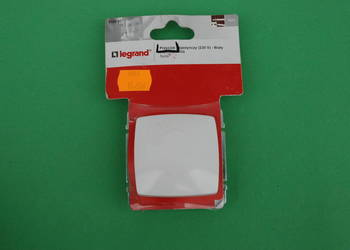 Przycisk pojedynczy (230V) Biały Legrand Suno