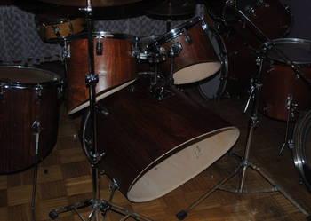 P E R K U S J A robiona na zamówienie drums on request