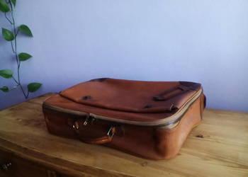 Stara walizka z lat 60-tych