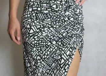 M Długa sukienka z rozcięciem na nodze rękawek maxi rozporek