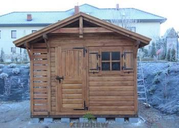 Domek z małą dwuboksową drewutnią Maria
