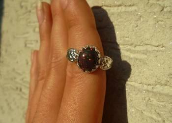 czarny opal etiopski - pierścionek z naturalnym opalem