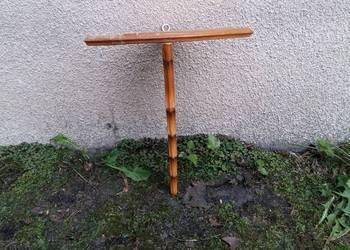 Drewniana kątowa półka, narożna konsolka  063