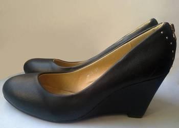 Firmowe pantofle. Półbuty. CHC-Shoes. Nowe.