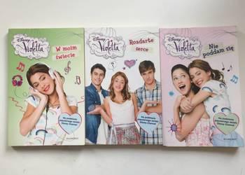 """3 części książki z serii """"Violetta"""""""