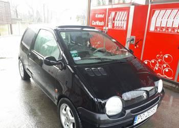 Sprzedam fajne małe autko Renault twingo w dobrym stanie