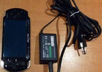 Konsola PSP !!! wspanialy soft !!! model: 2003 + gratis GRY