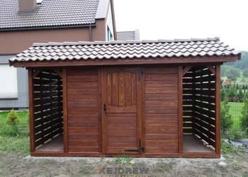 Domek z dwiema małymi drewutniami Pamela
