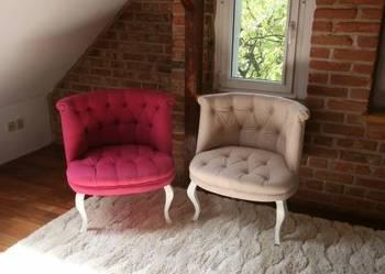 Piękny stylowy fotel glamour ludwik pikowany svarowski biały