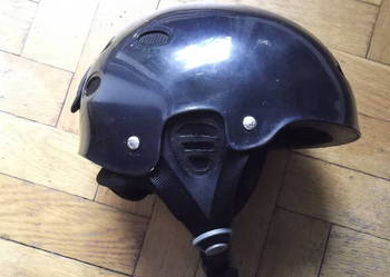 Kask typu orzech firmy PRO-TEC Obwód głowy 51-52 cm