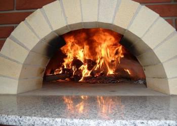 Piec do pizzerii restauracji opalany drewnem do pizzy chleba
