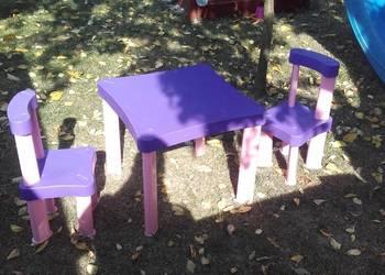 Stolik krzeselka plastikowe